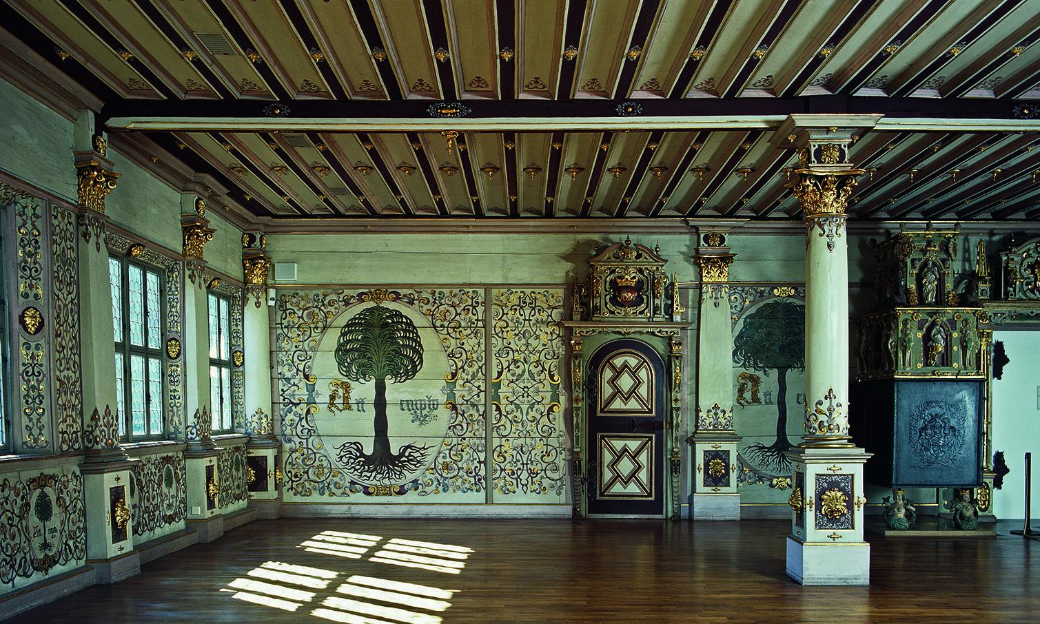 Blick in den Goldenen Saal von Schloss Urach; Foto: Staatliche Schlösser und Gärten Baden-Württemberg, Tom Philippi